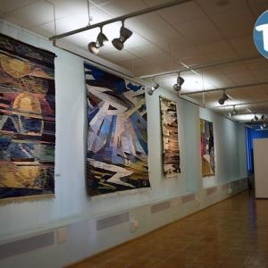 «Гармония контрастов». Выставка керамики В.Г.Кузнецовой и гобеленов А.С.Гораздина в Марий Эл