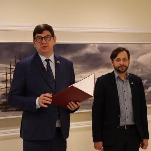 «Я помню чудное мгновение». Выставка произведений Алексея Буртасенкова в Совете Федераций
