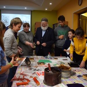 Выставка ксилографии «95-летию со дня рождения В.П.Астафьева» и мастер-класс Г.С.Паштова в Красноярске